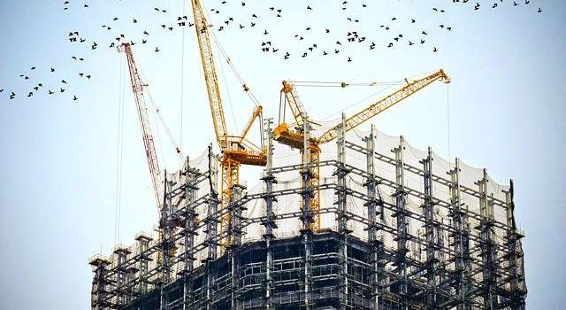 What to know about crane rental services